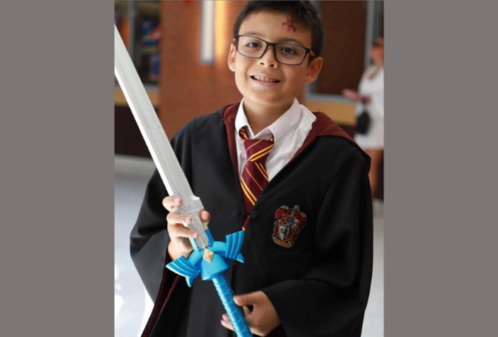 Cosplay character dressed as Harry Potter